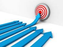 Succesblauw die arow tot centrum van doel toenemen Stock Foto's