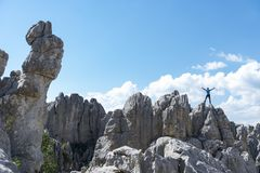 Climbing dangerous cliffs and successful Royalty Free Stock Photography