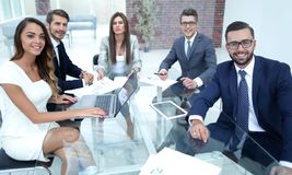 Free Successful Business Team Sitting At The Office Des Royalty Free Stock Photo - 125327775
