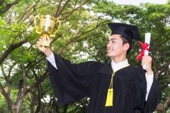 Successo del premio del laureato di graduazione Fotografia Stock