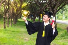 Successo del premio del laureato di graduazione Fotografia Stock Libera da Diritti