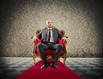 Succesvolle koninklijke zakenman royalty-vrije stock afbeeldingen