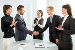 Succesvolle onderhandelingen Stock Foto's