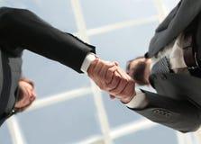 Succesvolle overeenkomst na grote vergadering Stock Afbeeldingen
