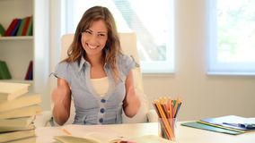 Succesvolle Student Girl stock footage
