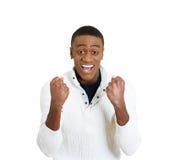 Succesvolle student, het bedrijfsmens winnen, gepompte vuisten royalty-vrije stock foto