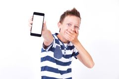 Succesvolle student met een telefoon in zijn hand op een witte backgroun Royalty-vrije Stock Foto