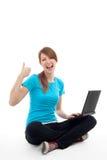 Succesvolle student met laptop Royalty-vrije Stock Foto's