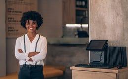 Succesvolle vrouwelijke restauranthouder royalty-vrije stock foto
