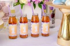 Succhi in bottiglie Fotografia Stock