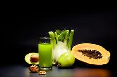 Succhi di verdura sani per il rinfresco fotografia stock libera da diritti