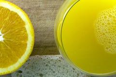 Succo d'arancia bio- fotografie stock