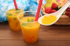 Succo d'arancia con tapioca fotografia stock