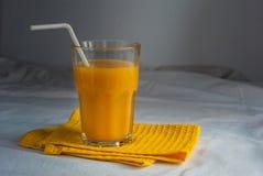 Succo di arancia per la prima colazione Immagine Stock