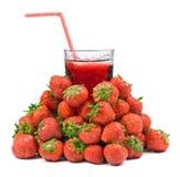 Succo di frutta con la fragola Fotografia Stock Libera da Diritti