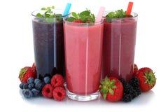 Succo di frutta del frullato con i frutti isolato Fotografie Stock Libere da Diritti