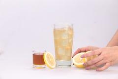 Succo di limone misto con miele Fotografia Stock