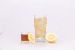 Succo di limone misto con miele Fotografia Stock Libera da Diritti