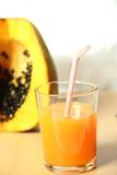 Succo di papaia organico tropicale Fotografia Stock Libera da Diritti