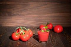 Succo di pomodoro fresco rustic Fotografia Stock