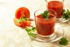 Succo di pomodoro in vetro Fotografie Stock Libere da Diritti
