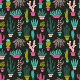 Succulents en cactusseninstallaties Vector naadloos patroon met het beeldverhaalcactus van de huistuin op donkere achtergrond Royalty-vrije Stock Foto