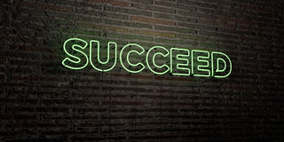 SUCEDA - sinal de néon realístico no fundo da parede de tijolo - a imagem conservada em estoque livre rendida 3D dos direitos ilustração do vetor