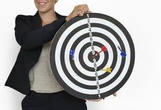 Sucesso de Dart Goal Target da mulher de negócios Fotografia de Stock