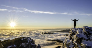 Sucesso em um nascer do sol majestoso Foto de Stock Royalty Free
