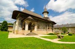 SuceviÈ›一个修道院,村庄SuceviÈ›的a,罗马尼亚 免版税库存照片