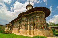 SuceviÈ› en kloster, i den bySuceviÈ›en a, Rumänien Arkivfoto