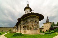 SuceviÈ› en kloster, i den bySuceviÈ›en a, Rumänien Arkivbild