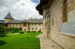 SuceviÈ› en kloster, Rumänien Fotografering för Bildbyråer