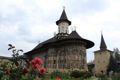 Sucevita kloster i Bucovina Rumänien arkivbild