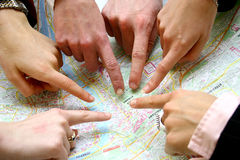 Suchen auf der Karte Stockfotos