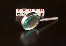 Suchen der Wahrheit Stockbild