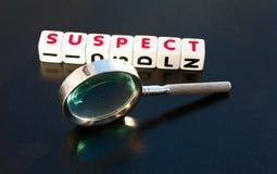 Suchen nach einem Verdächtigen Stockfotos