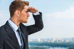 Suchen nach neuen Geschäftschancen Lizenzfreie Stockfotografie