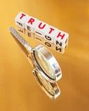 Suchen nach Wahrheit Stockbild