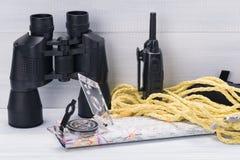 Suchen Sie Ausrüstung nach speichernden verlorenen Leuten im Katastrophengebiet Stockbilder