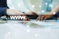 Suchstange mit WWW-Text Website, URL Digital-Marketing Geschäft, Internet und Technologiekonzept Stockfotos