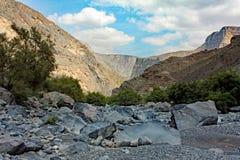 Suchy Dolinny Rzeczny łóżko: Nizwa, Oman Obraz Stock