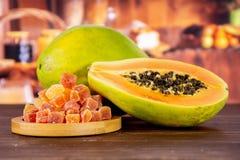Suchy melonowiec z nieociosaną kuchnią obrazy royalty free