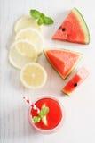 Suco da melancia com limão e hortelã Imagem de Stock Royalty Free