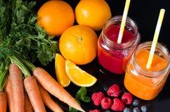 Suco das frutas e legumes frescas Imagem de Stock Royalty Free