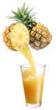 Suco de abacaxi fresco. imagem de stock