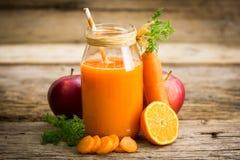 Suco de cenoura fotos de stock