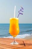 Suco de fruto da paixão com gelo Fotografia de Stock