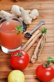 Suco de tomate com especiarias Imagens de Stock Royalty Free