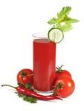 Suco de tomate com os vegetais isolados Imagem de Stock